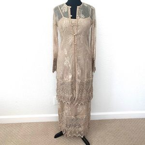 Cache Maxi Lace Dress w Coverlet